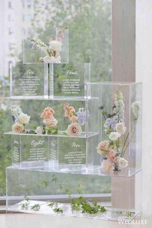 plan de table en cube plexiglas, personnalisé